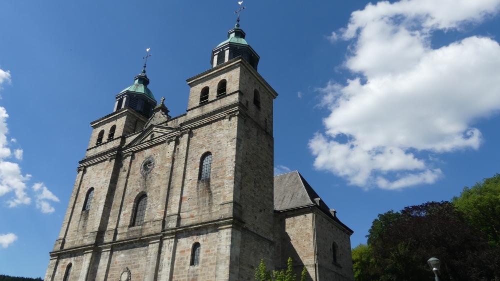 Kathedrale mit zwei Türmen.