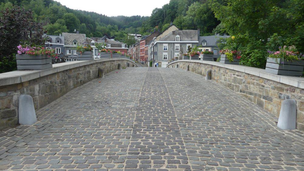 Steinbrücke.