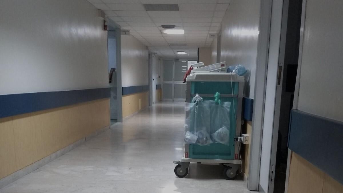 Krankenhausflur.