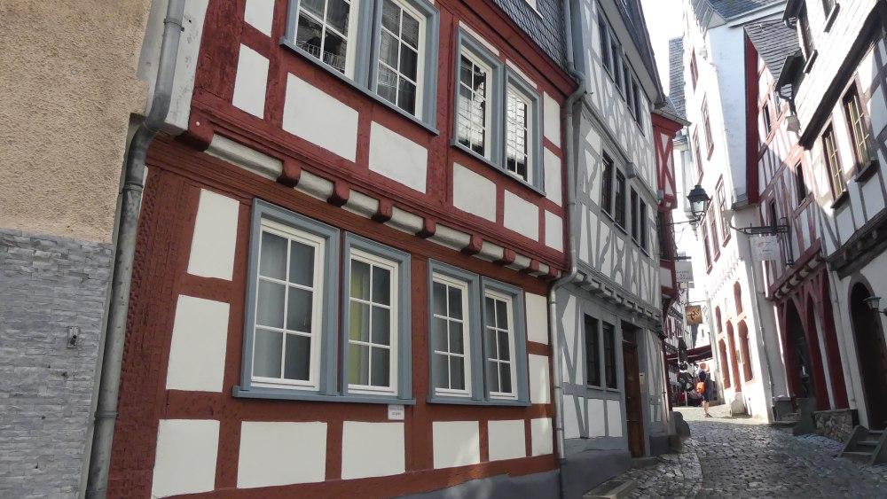 Enge Gasse in der Altstadt von Limburg.
