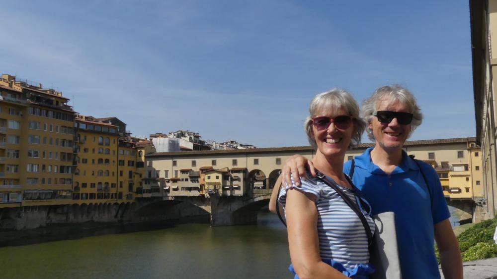Gina und Marcus vor dem Ponte Vecchio in Florenz.