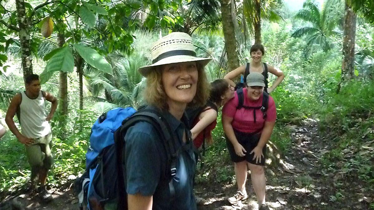 Wanderung im Dschungel.