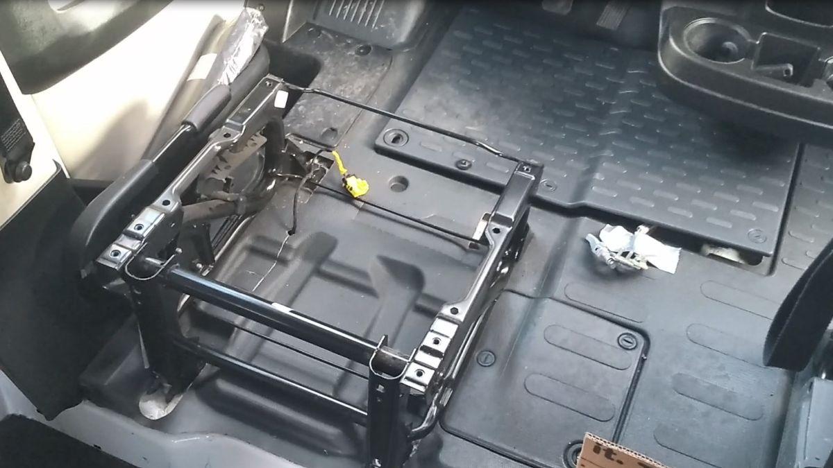 Sitzkonsole der Fahrersitzes.
