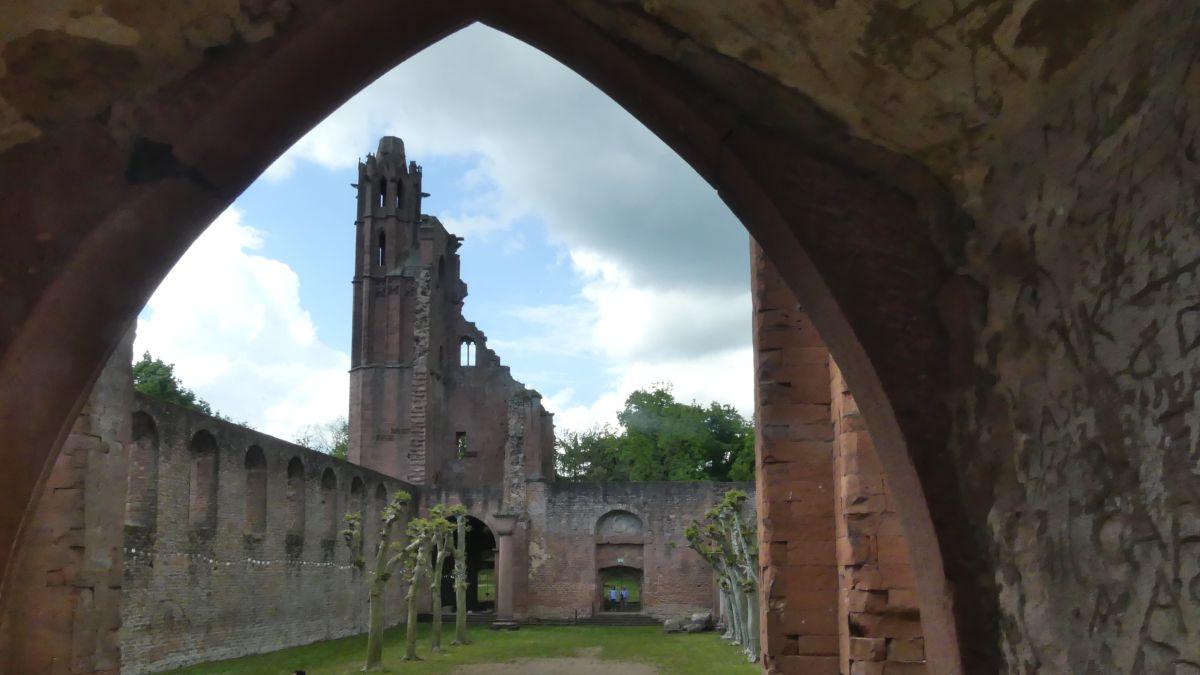 Klosterruine in der Pfalz