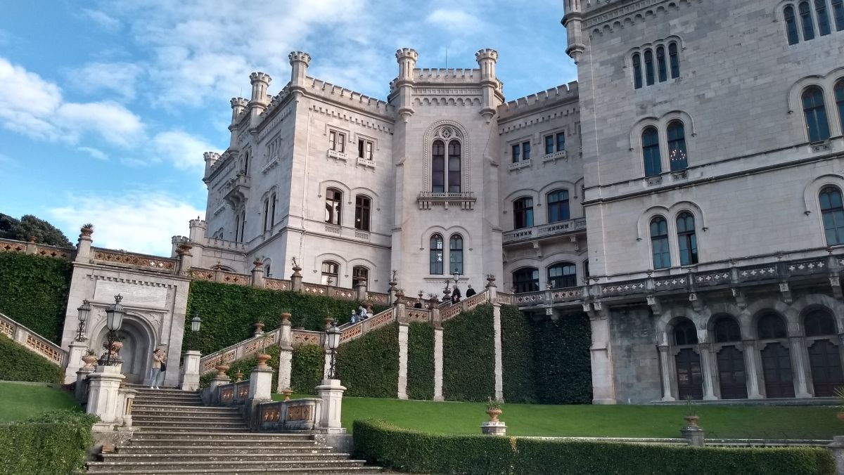 Weißes Schloss.