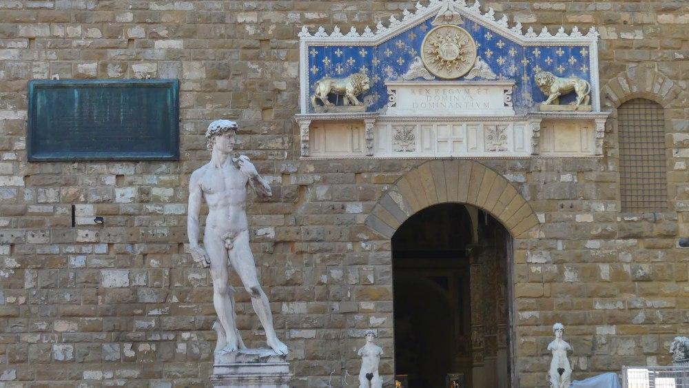 Statue des David vor dem Palazzo Vecchio.