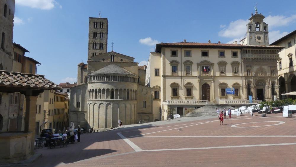 Piazza Grande in Arezzo, Toskana.