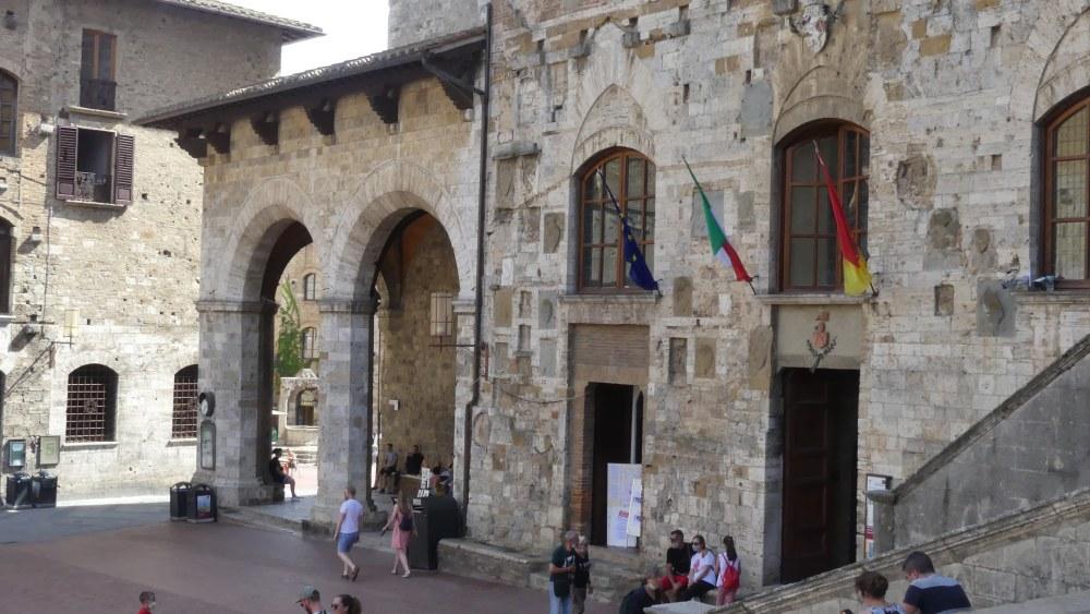 Palazzo und Loggia.